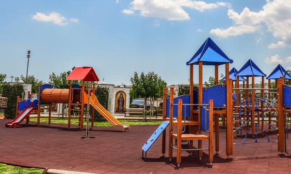 Budujemy publiczny plac zabaw - co musimy wiedzieć?