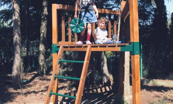 Zjazd linowy do ogrodu oraz na publiczny plac zabaw – fruwająca zabawa!