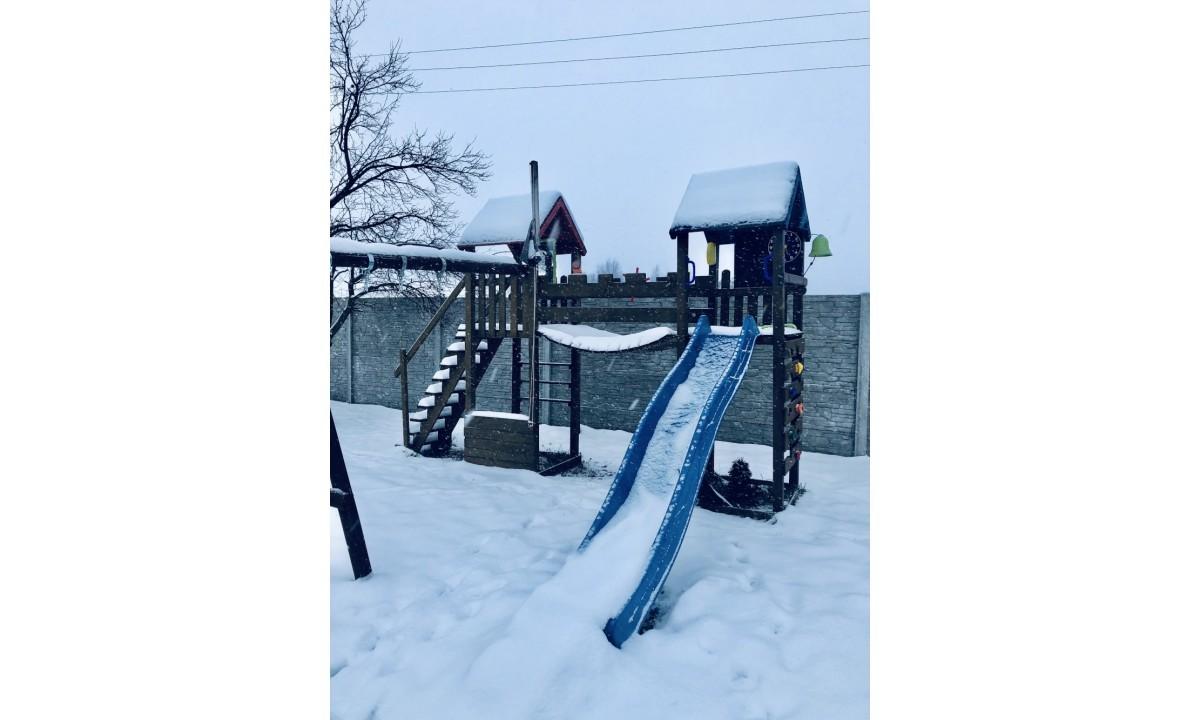 Jak zadbać i przechowywać zabawki ogrodowe w okresie zimowym?